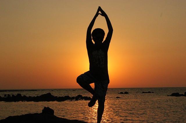 Esercizi in gravidanza: fa bene fare yoga?